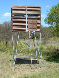 Elevated Deer Tower Stands The Blynd Hunting Blinds San